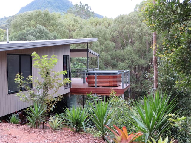 Babbling Brook Retreat - Zara - Huis