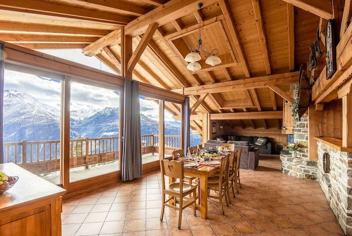 120m² appt, ski-in ski-out 4* chalet La Rosière
