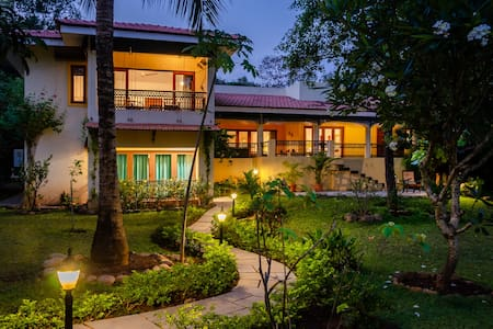 Luxurious 4BHK Villa With a Caretaker in Candolim