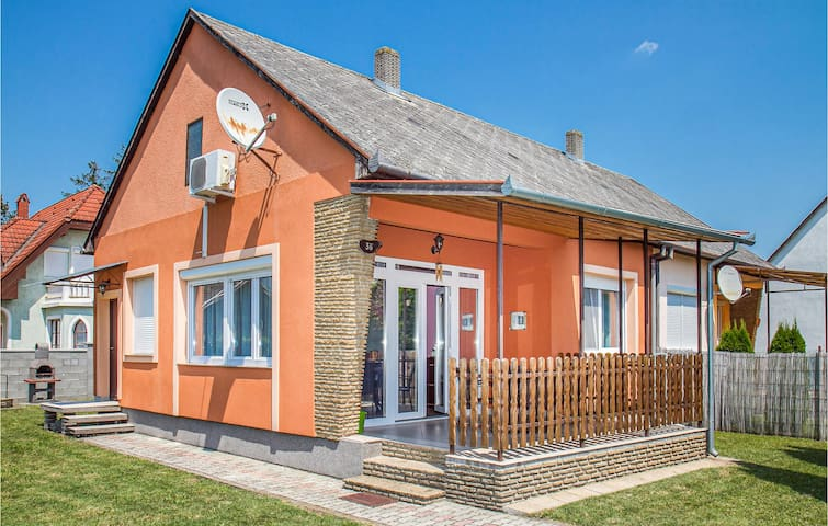 Semi-Detached with 2 bedrooms on 60m² in Balatonmáriafürdö