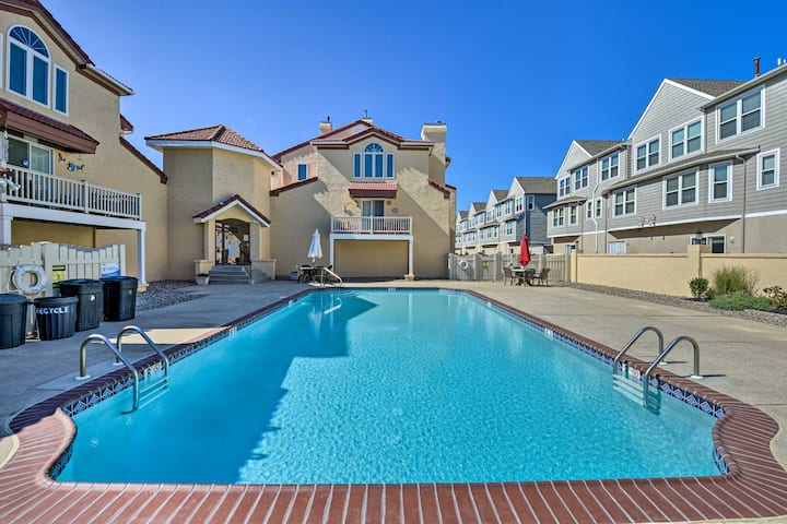 NEW! Townhome w/Balcony <1Mi to Wildwood Crest BCH
