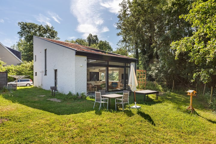 Heerlijk vakantiehuis in Kobbegem met landelijk uitzicht