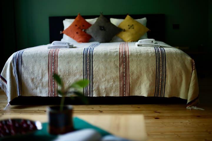 The Green Room / Žaliasis kambarys