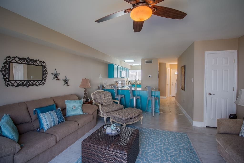 Oak Shores  95-Living Room