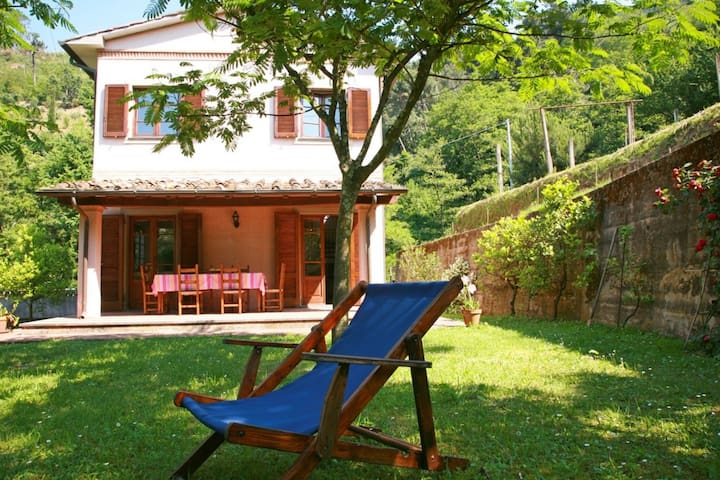 Casa di Ripa for 6 People, Sea view, near Sea and Forte dei Marmi