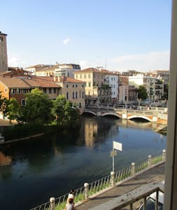Big room with great view 30 min to Venice - Treviso