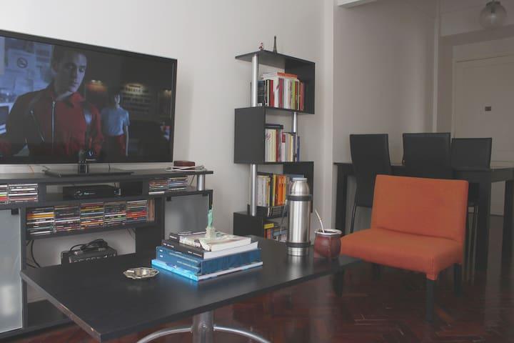 Bright and quiet apartment in San Telmo