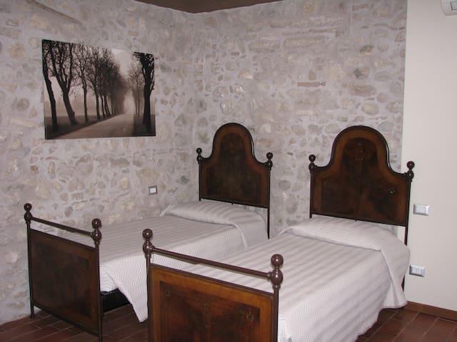 Camera Giada (fino a 4 posti letto)