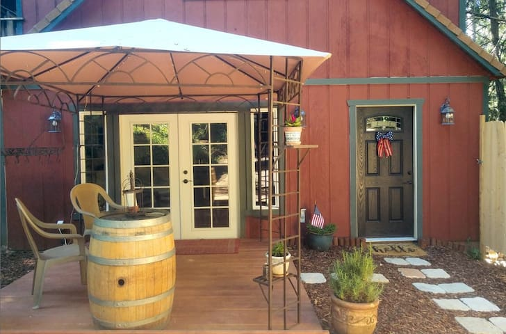 "Our ""Zen"" Tree-House Studio in Placerville"
