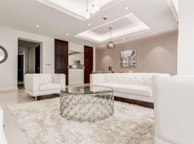 Luxury townhouse at Jumeirah Golf Estates