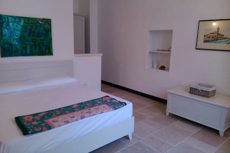 FENISIA guest house XVIII secolo (camera standard) - Campi Salentina