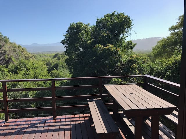 Quiet Treetop House, close to lagoon, great views. - Sedgefield - Dom