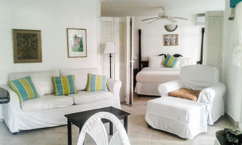 7 Mile Beach Luxury Suite Condo - Negril - Other