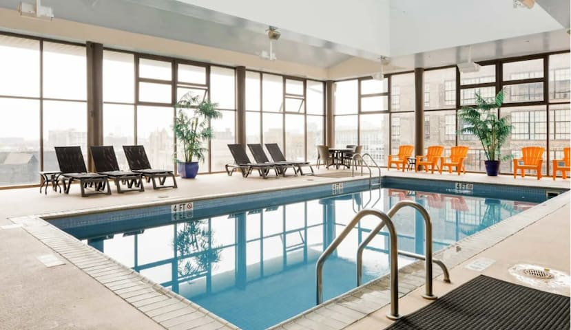 Astonishing view,5mins to Center city,Pool&Parking