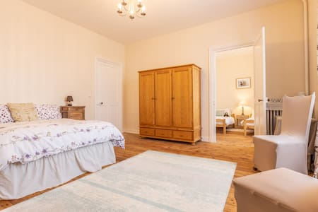 Double bed-spacious room