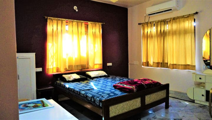 Luxury 1 -Double Bedroom With Balcony at Abu Road