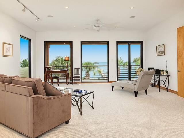 Luxury Grand Master Suite