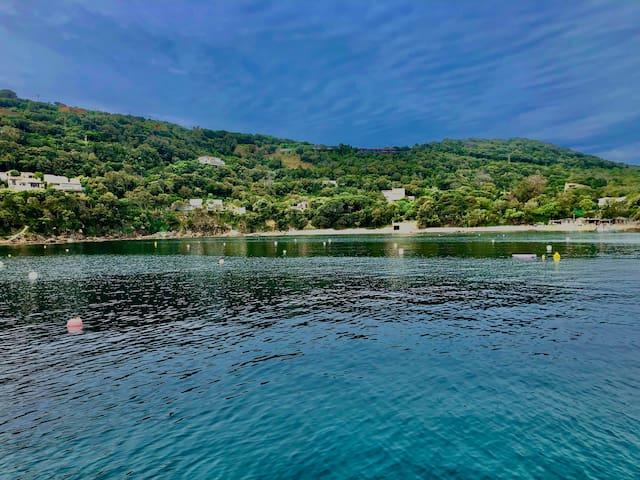 Vacances de rêve sur un bateau port de la CASTAGNA