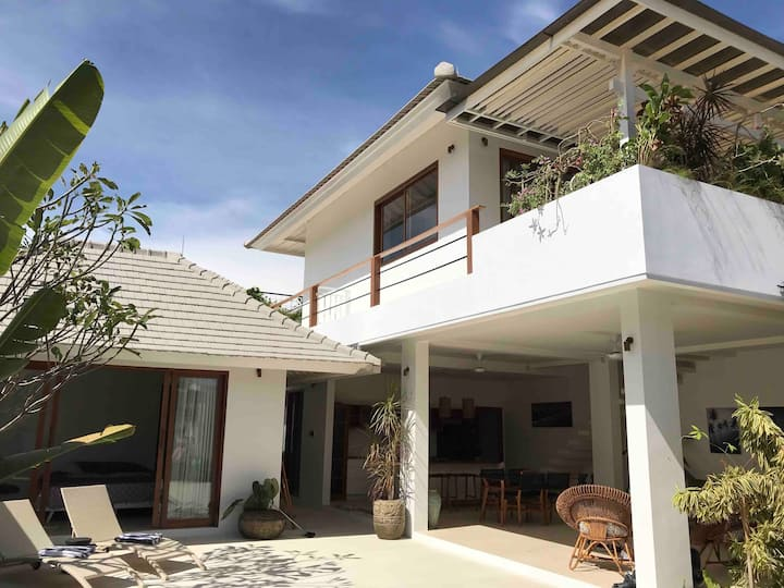 Contemporary Design - short stroll to Sanur beach