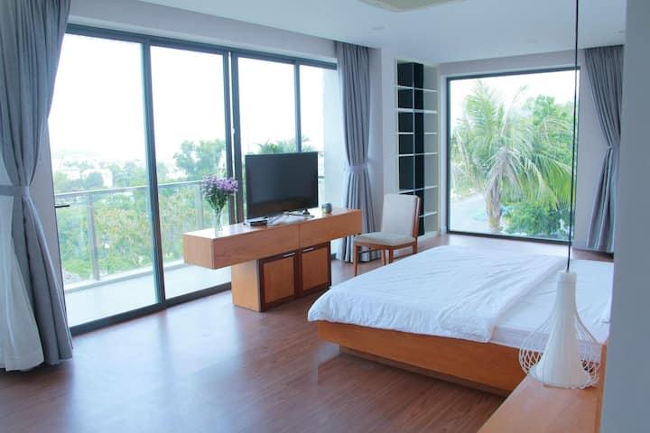 Venus Luxury Apartment(Master Bedroom)