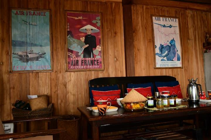 Jumbo Guesthouse on the Mekong Room 2
