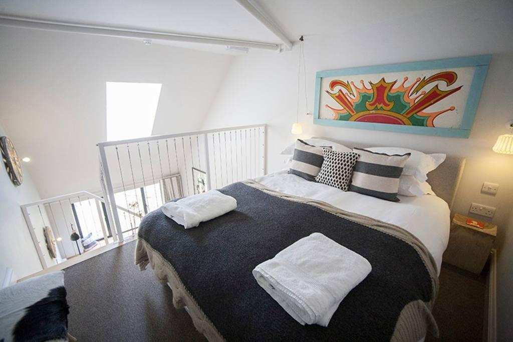 Mezzanine room (201 - 204)