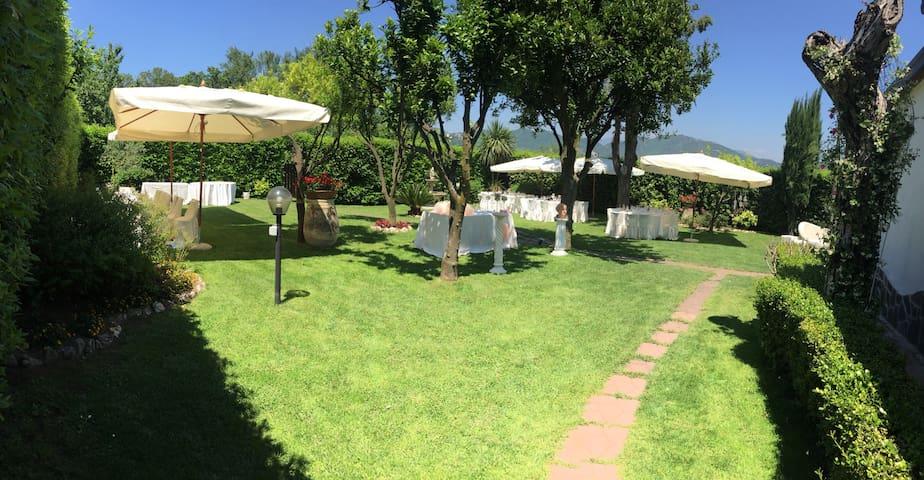 Villa Simitode , relax in villa - Cava de' Tirreni - Huis