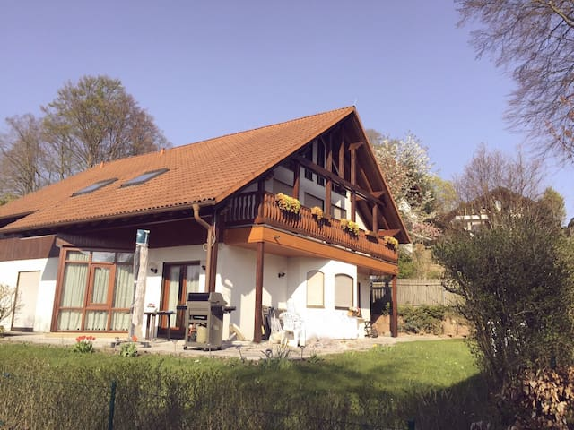 Bavarian house by Starnberg Lake - Starnberg - Appartement