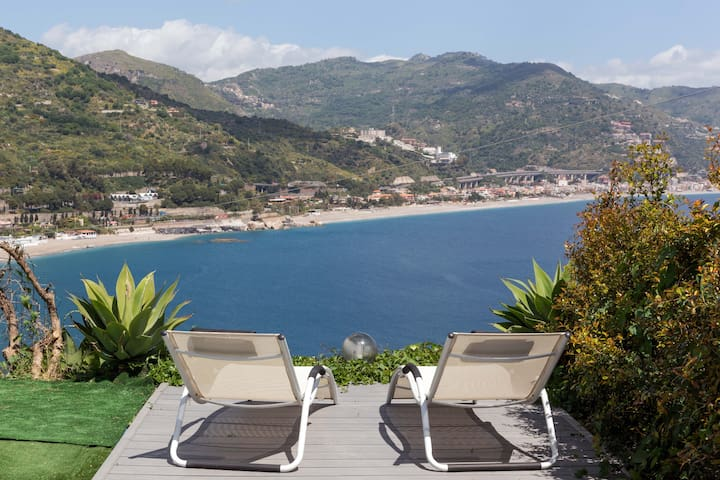 *Blue Mood Villa Taormina*   Sea View