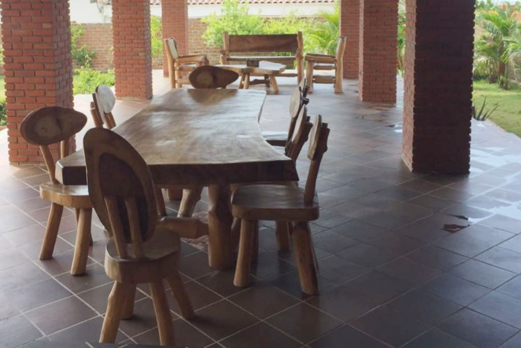 Vista zona de terraza y comedor