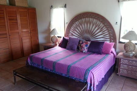 Casa Pacifica B&B - Orchid Room - Chacala