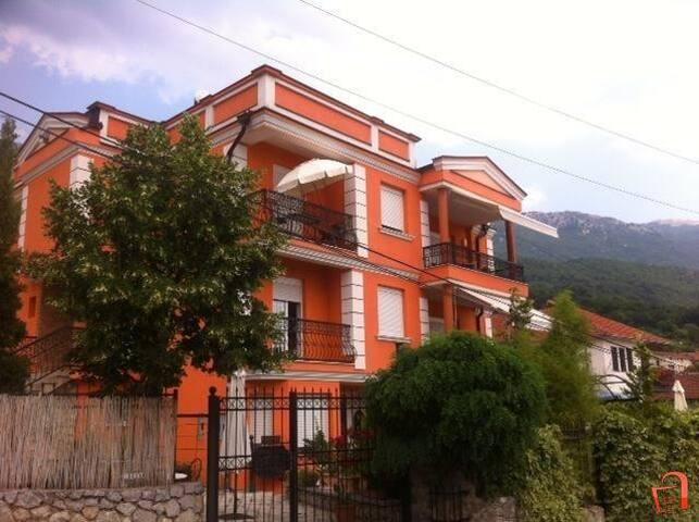 Villa Galeria Pestani