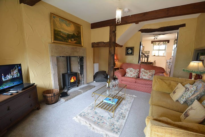 Cuckoo - a wonderful cottage with indoor pool in beautiful countryside