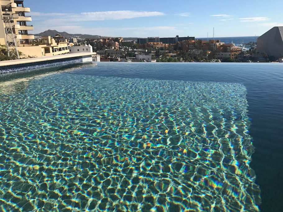 Take a dip in your private infinity pool that overlooks Cabo and the Sea of Cortez.