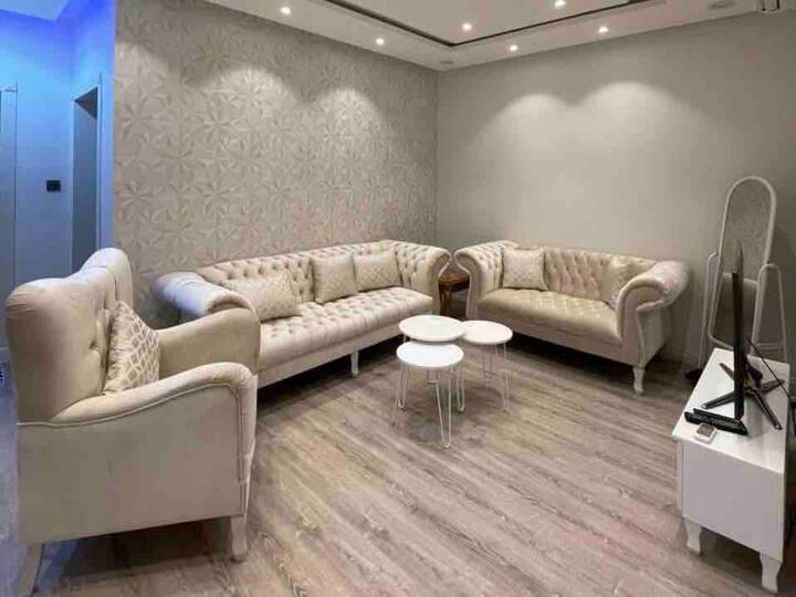 شقة واسعة خاصة ومجدده | Private renewed apartment