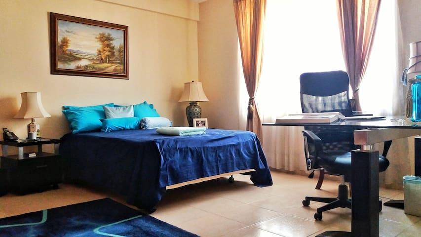 Sunny Blue Room in Cochabamba - Cochabamba - Haus
