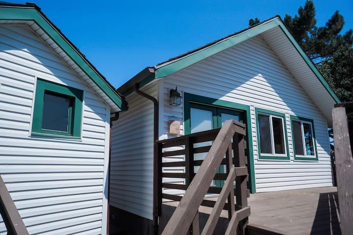 The Bunkhouse at Barlocker's Rustling Oaks Ranch - Salinas - Houten huisje