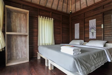 Locas Guest House - Keramas Beach 2 - Blahbatuh - Bungalow