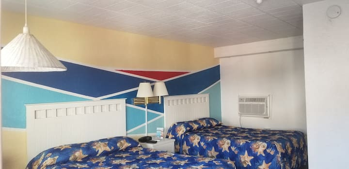 Coral Sands Motel Room - Pet Friendly