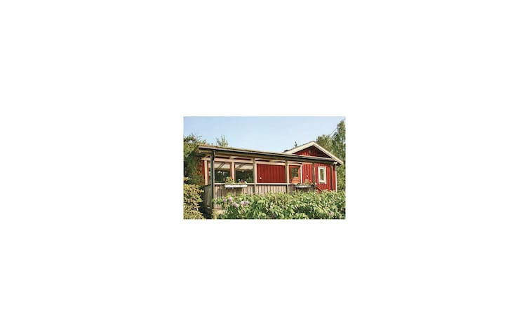 Holiday cottage with 2 bedrooms on 66m² in Mellerud