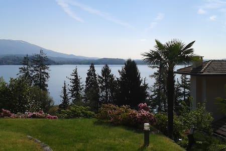 Villa con vista lago e piscina - Villaggio Bezzi - Villa