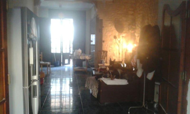 Habitación casa original - Burjassot - Bed & Breakfast