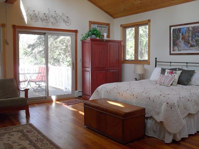 Cozy Cottage near Warren Dunes