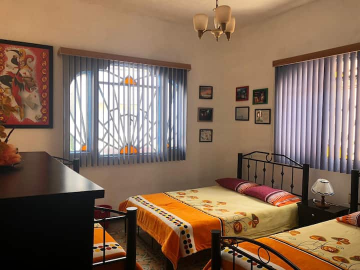 Nice Room w/ private bath in the Center of Puebla!