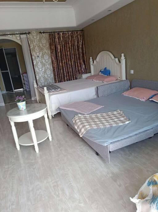 沙发打开后变成1.8*2米的床