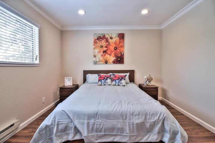 Luxury 888 Apartment Home Saratoga