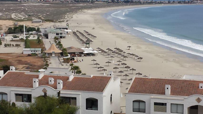 Lindo Dpto. ,impresionante vista directa a  playa