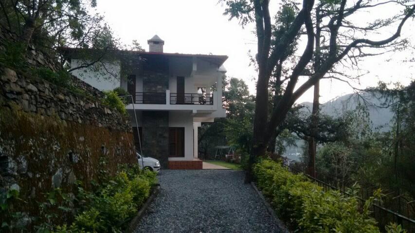 Colonel's Villa - Bhimtal