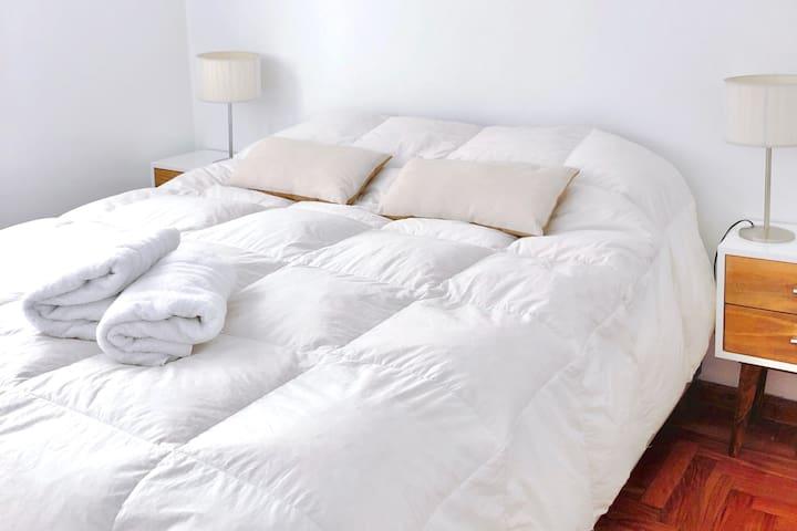 Dormitorio, armado como cama doble