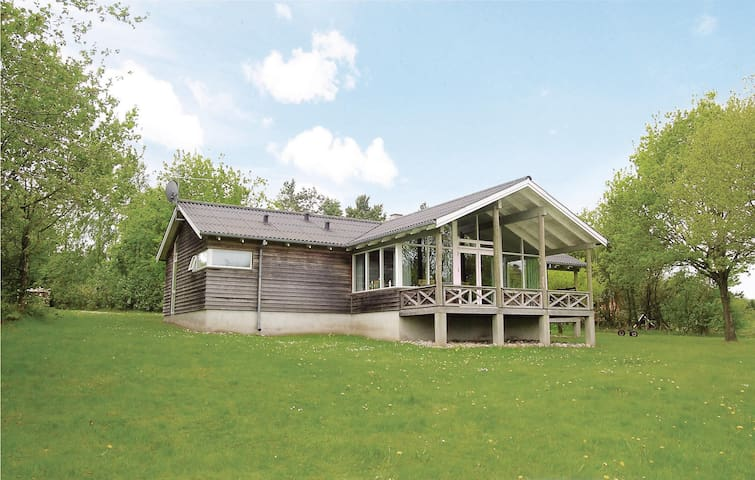 Holiday cottage with 3 bedrooms on 112 m² in Hadsund